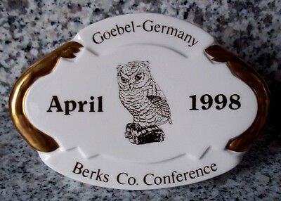 "Goebel Figurine 59 029 "" Berks County Conference April 1998 "" RARE Stand"