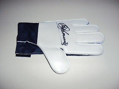 Personally Signed Goalkeeper Glove Ray Clemence Liverpool Tottenham Spurs New