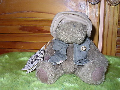 OPIE FISHALOT - BOYDS - The Head Bean Collection - Bears