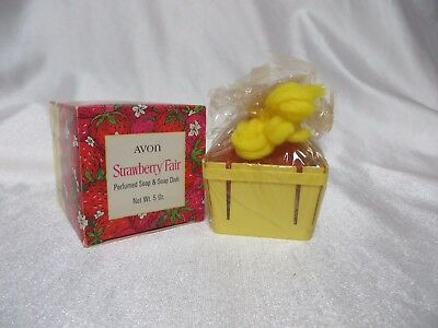 Vintage Avon 60s Strawberry Fair Novelty Soap Bar Dish NOS w Box Country Chic