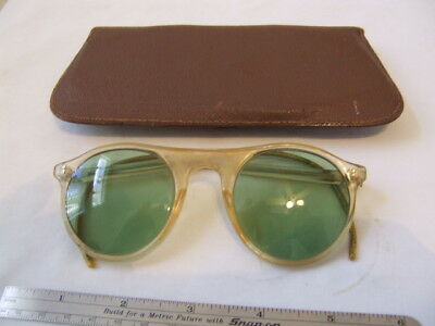 Hunting-Shooting  Vintage  American Optical Safety Sun Goggles & Leather Case