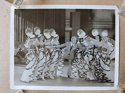 Victor Fleming director with leggy showgirls original candid photo 1935 Reckless