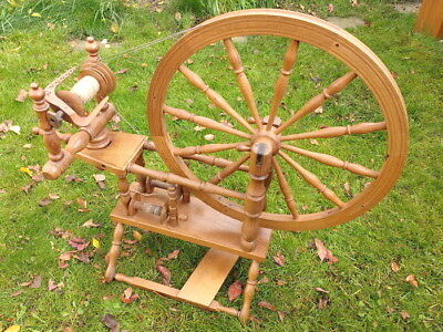 Spinning Wheel 1950's?...Good condition