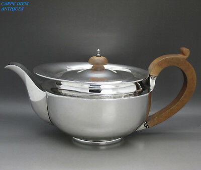 GEORGIAN STYLE HEAVY SOLID STERLING SILVER TEAPOT, 691g BY TESSIERS, LONDON 1927