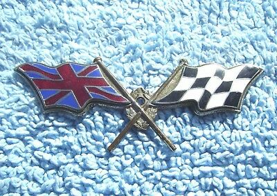 VINTAGE 1960s LES LESTON CROSSED CHEQUERED FLAGS CAR GRILLE BADGE -RACING EMBLEM