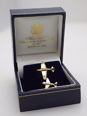 Two Airplane Tie Pins incl 9 Carat Gold