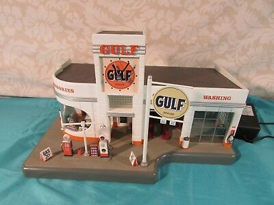 Danbury Mint The Gulf Service Station Lighted Clock - Works
