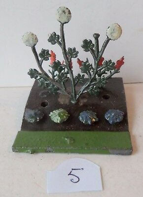 BRITAINS PRE-WAR PAINTED LEAD GARDEN No05 FLOWER BED+SEVEN FLOWERS lot 5
