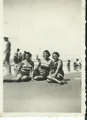 Fotografia Donne In Costume Spiaggia Mare Women To The Sea Bikini Beach Vintage
