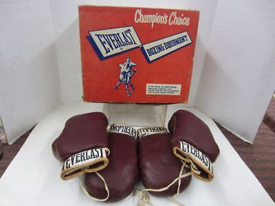 2 Pair of Vintage No 2008 EVERLAST BOXING GLOVES in Original Box Excellent