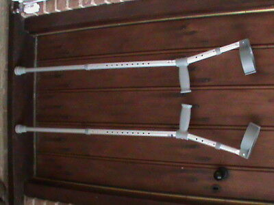 Days Patterson Medical Lightweight Fully Adjustable Height Crutches. Model 121A.