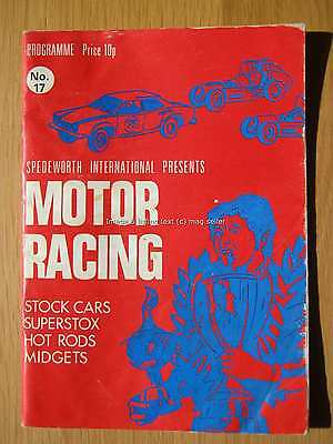 Stock Car Racing Programme Spedeworth June 1972 No 17 Aldershot Cross in Hand