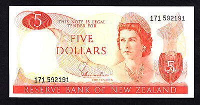 New Zealand NZ $5 Hardie Type I 1977-81 aUNC Note  P. 165d QEII