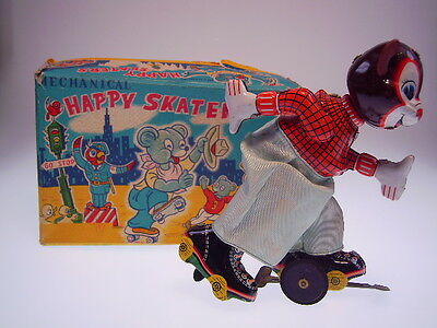"""MECHANICAL HAPPY SKATERS - BEAR""  TPS 1958, 16cm, WIND UP OK ! NEARLY NEW !"