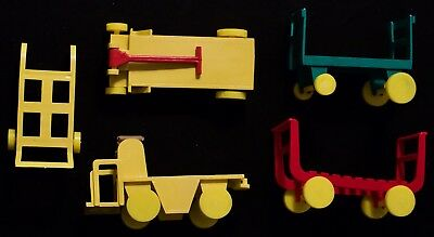 5 pieces from Marx Freight Terminal Playsets. C-7