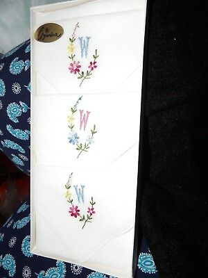 Set Of 3 Boxed Vintage Embrodered & Monogrammed W (M) Handkerchiefs  G354-12