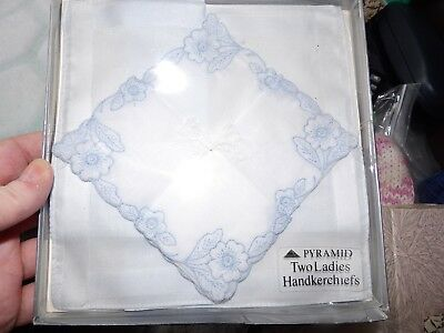 Set Of 2 Vintage Pyramid Blue Embroidered Edge Boxed Handkerchiefs G354-9