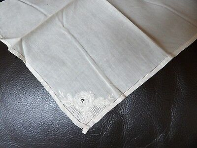 Handcrafted vintage cream cotton small square handkerchief G354-30