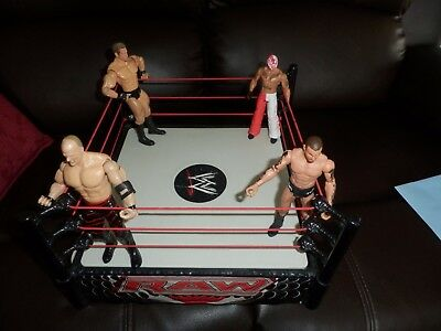 WWE/WWF Wrestlers Figures And Ring