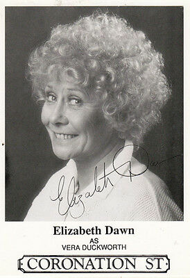 Vera Duckworth as Elizabeth Dunn Coronation Street Printed Signed  Cast Card