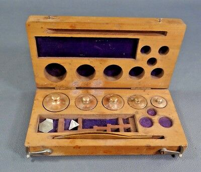 19c.ANTIQUE APOTHECARY PHARMACY BALANCE SCALE WEIGHTS TWEEZERS SET in WOODEN BOX