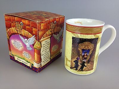 Royal Doulton - Harry Potter Mug - The Mirror Holds The Answer HP9 Boxed