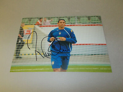 Ricardo Oliveira  Brasilien signed signed Autogramm auf 13x18 Foto in person