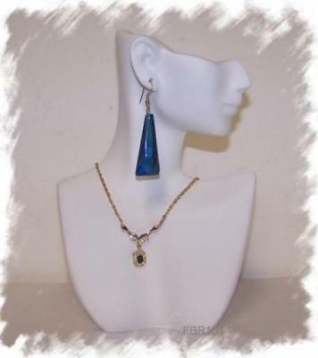 2 Durable Jewelry Display Bust Plastic Figural Necklace Profile Stands White New