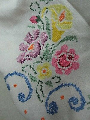 """VINTAGE WHITE LINEN TABLECLOTH with HAND EMBROIDERED FLOWERS 60"""" X 78"""""""