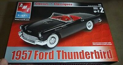 AMT CLASSICS 1957 Ford Thunderbird Convertible 1/25 Model Car Mountain COMPLETE