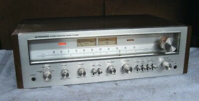 Vintage Pioneer SX-650 Stereo AM/FM Receiver 1976.  made in Japan