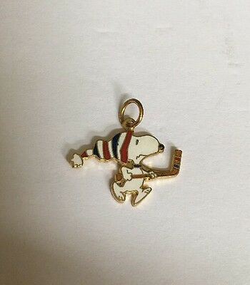 Peanuts Gang Collectible Snoopy Playing Hockey Enamel Charm Pendant X-68