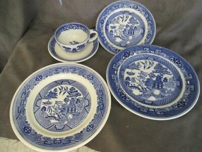 Buffalo China Blue Willow 5 Piece Plates Cup & Saucer el5