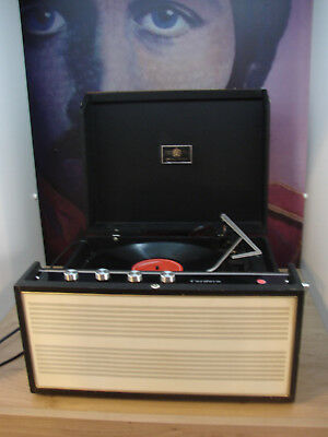 Dynatron Cordova  stereo record player and second speaker. Superb fully serviced