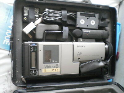 Vintage Sony Video 8 Pro CCD-V100E camera recorder with extras HARD Carry CASE.