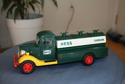 1983 First Hess Truck with Black Switch In Original Box