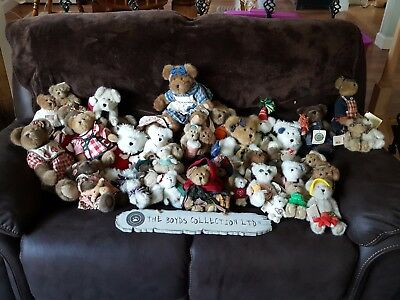 Boyds Bears Lot (44 items) With Wall Decoration