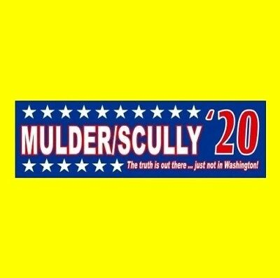 """MULDER/SCULLY '20"" The X-Files STICKER Fox Mulder Dana Scully UFO Roswell alien"