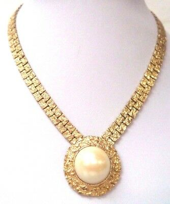 "Stunning Vintage Estate Gold Tone Textured Faux Pearl 16"" Necklace!! 6956M"
