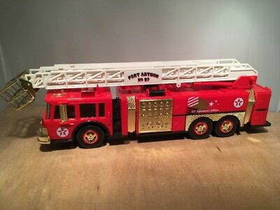 TEXACO AERIAL TOWER FIRE TRUCK GOLD SERIAL NUMBERED - ISSUED in 1997