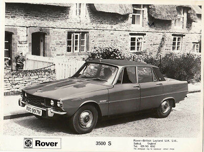 Rover 3500S P6B Period Photograph.