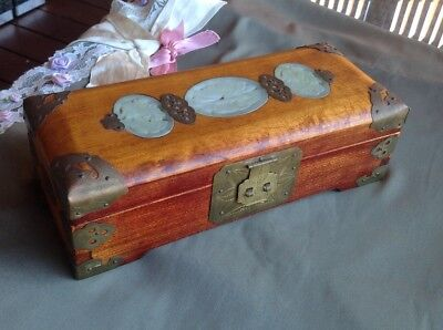 vintage timber/wood oriental jewellery box pretty ornate & brass fittings  nice