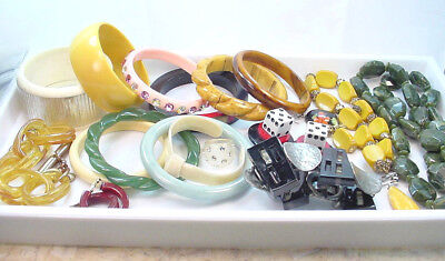 BAKELITE and VARIOUS PLASTIC JEWELRY and PARTS ESTATE GROUP LOT VINTAGE - RECENT