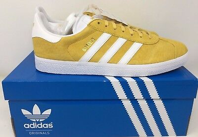 low priced c7965 74d4e adidas Originals Mens Gazelle Casual Fashion Sneakers Lace-Up Yellow Gold