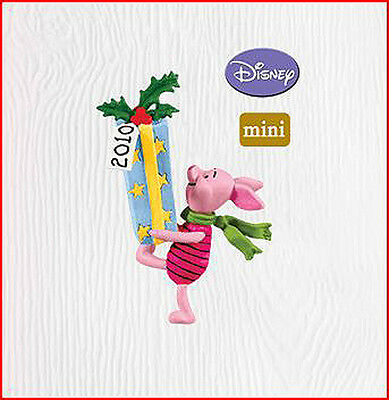 2010 Hallmark A FRIENDLY SORT OF GIFT Miniature Ornament PIGLET Winnie the Pooh