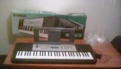 yamaha digital keyboard ypt 220 unwanted gift boxed. Black Bedroom Furniture Sets. Home Design Ideas