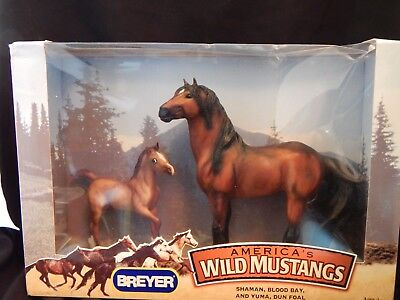 Breyer America's Wild Mustangs 2 Horse Set Blood Bay & Dun Foal Nib 750145