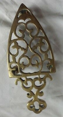 ELEGANT ANTIQUE BRASS TABLE TRIVET w LEGS CAST SEPARATELY  A NICE ONE