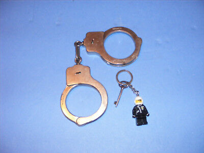 Vintage Pair Of Smith & Wesson Hand Cuffs / Peerless--Springfield Mass Usa Old