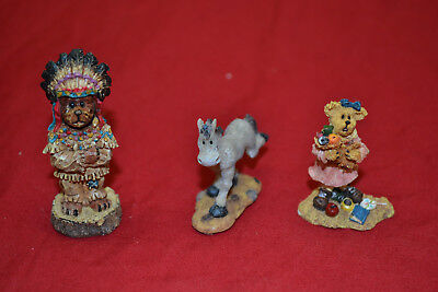 Boyds Wunnerful Village Accy. Stuff * Chief Woodchip, Delores And Flash #19549-1